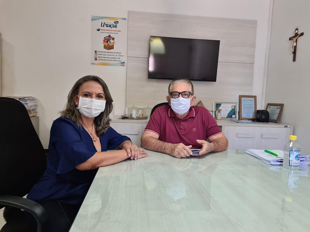 Adriana Cavalcante e o prefeito Wagner Coelho, ambos do Progressista