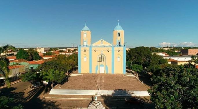 Igreja católica de Valença do Piauí (Foto: Franzé Silva)
