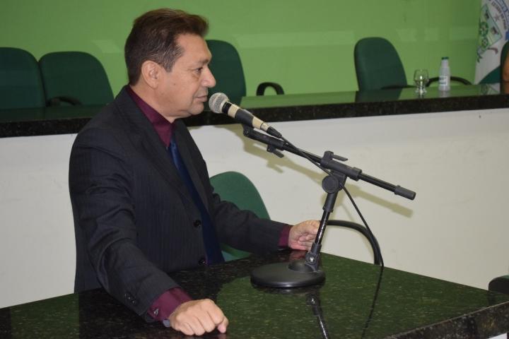 Vereador João Maroca no desempenho de suas funções
