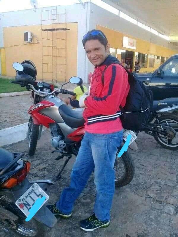 Homem morre após colidir moto em portão de residência em Barras - Imagem 1