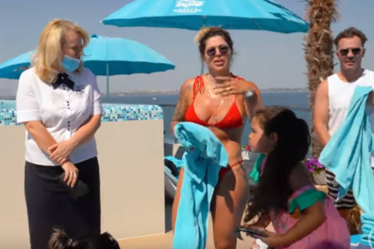 Dani Souza é expulsa de piscina em hotel na Ucrania - Foto: Instagram