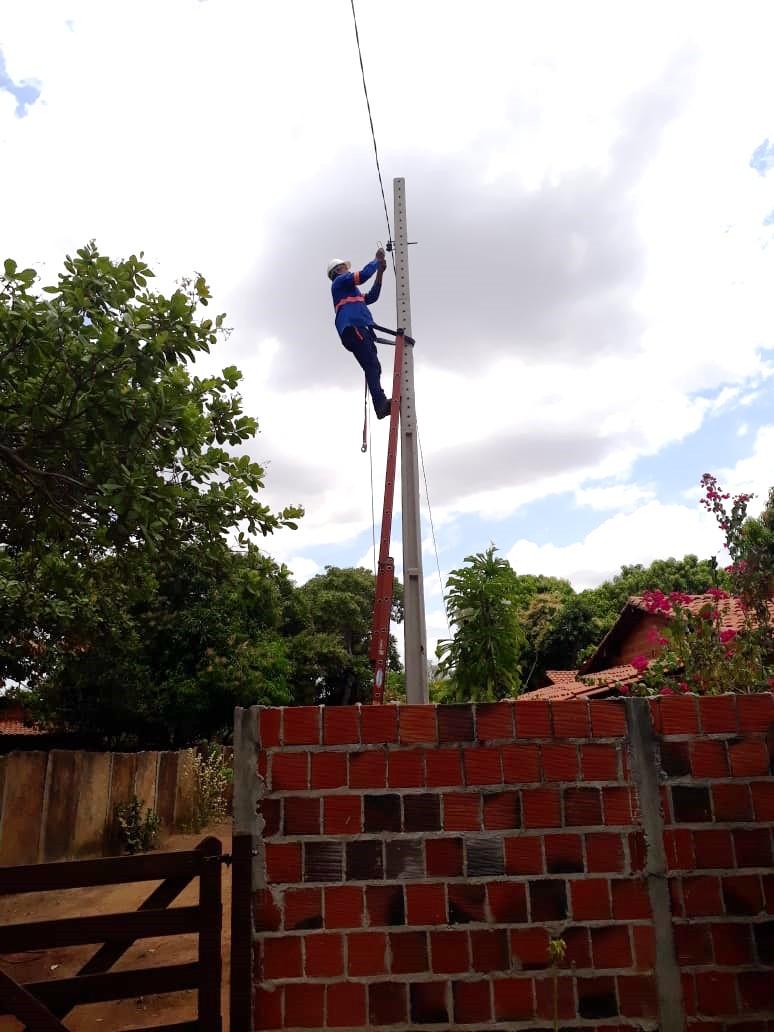 Prefeitura de Jatobá do Piauí leva melhorias na iluminação pública das comunidades rurais do município - Imagem 1