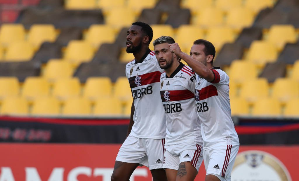 Flamengo vence o Barcelona-EQU Foto: Dolores Ochoa/POOL/AFP