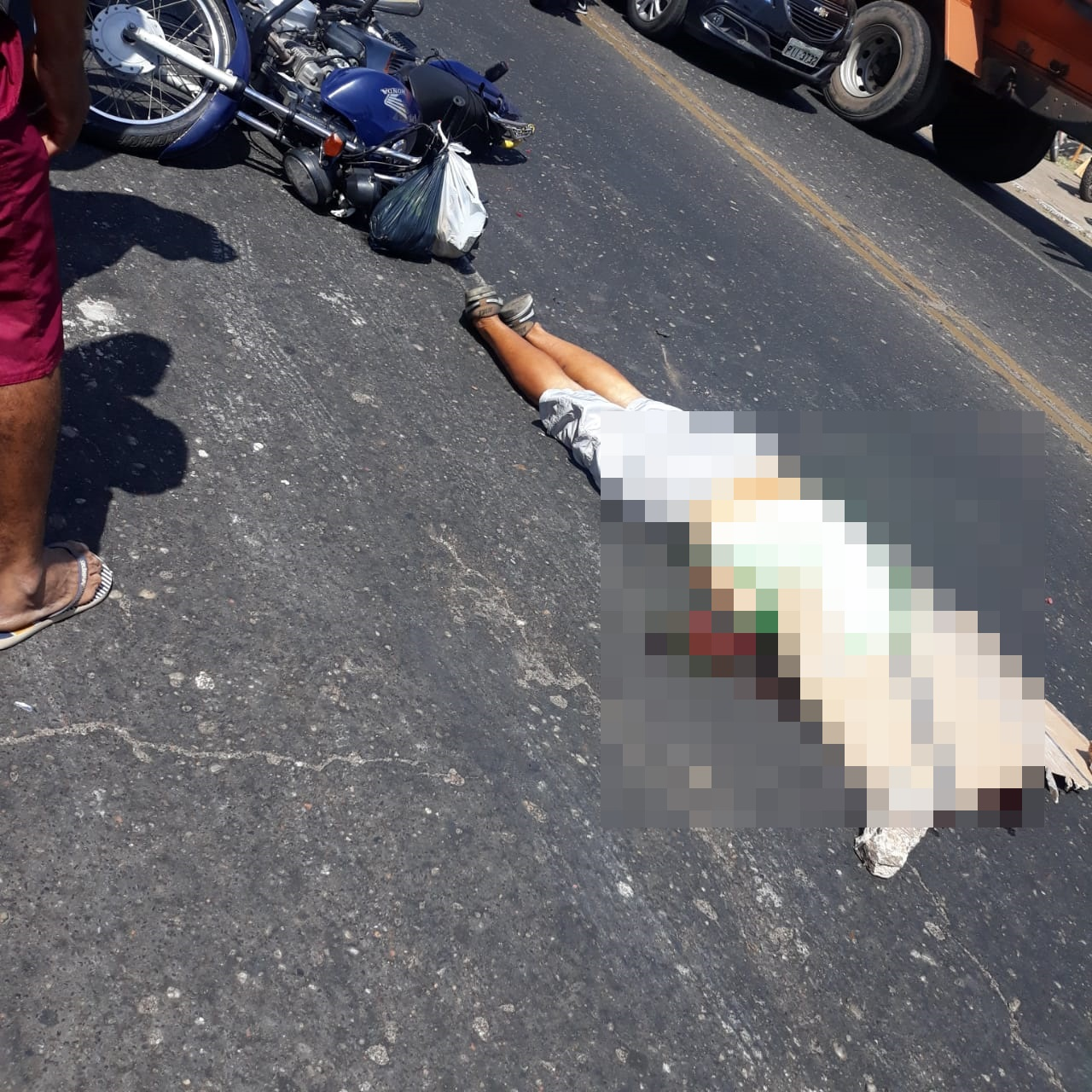 Motociclista morre após ser atropelado por caminhão em Teresina - Imagem 1