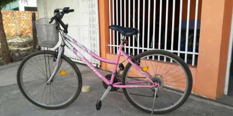 Ladrão rouba bicicleta infantil e é flagrado por câmeras no Piauí