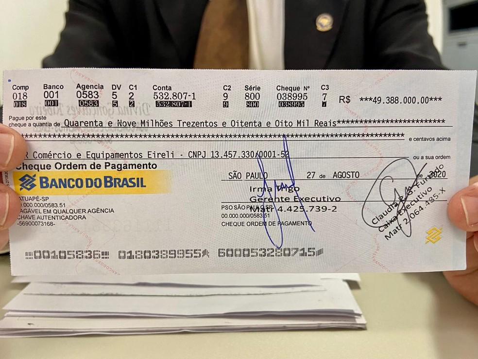 Trio tenta sacar cheque clonado de R$ 49 milhões e é preso no Ceará  - Imagem 2