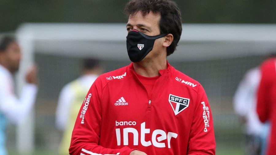 Dois jogos podem definir o futuro do São Paulo. Técnico Fernando Diniz- Foto: Rubens Chiri/SPFC