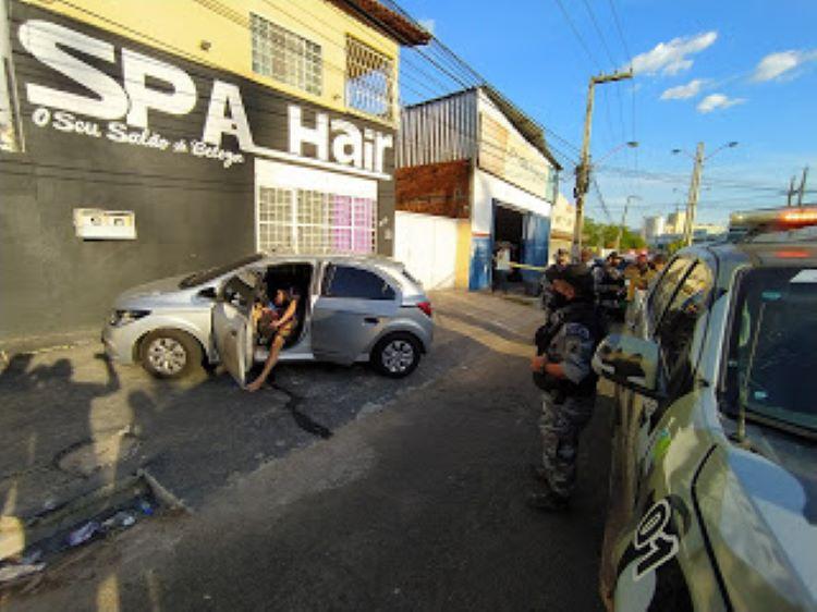 Jovens são executados a tiros em carro na zona leste de Teresina - Imagem 2
