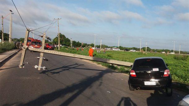 Acidentes automobilísticos envolvendo postes
