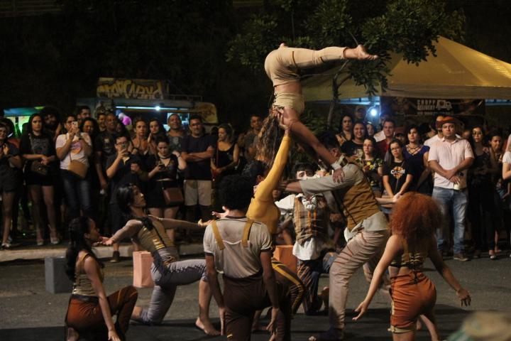 Botando Sentido, da Equilibrista Escola de Circo