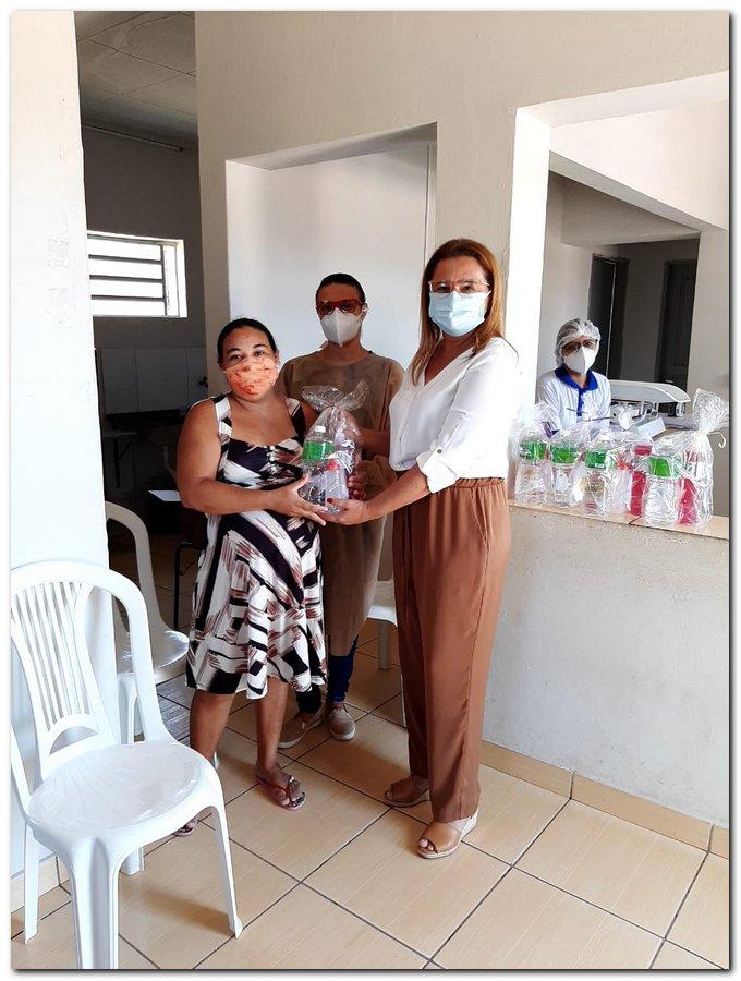 Secretaria de Saúde realizou entrega de kits de higiene  - Imagem 13