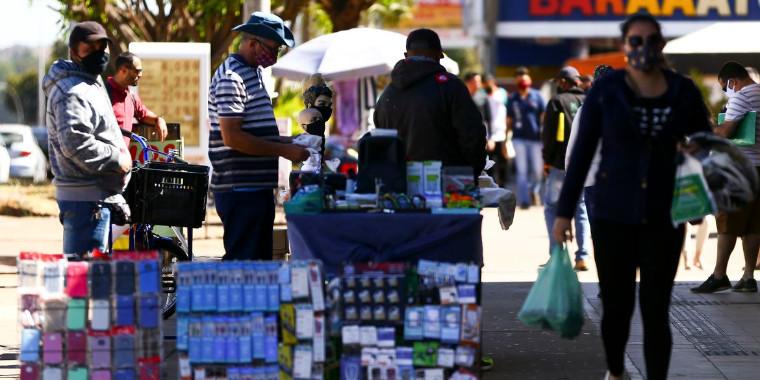 Cerca de 1,6 milhão voltou a procurar emprego, diz IBGE