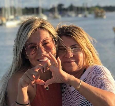 Irâ ao lado da irmã Nires, mãe de Camila Ângelo - Foto: Reprodução