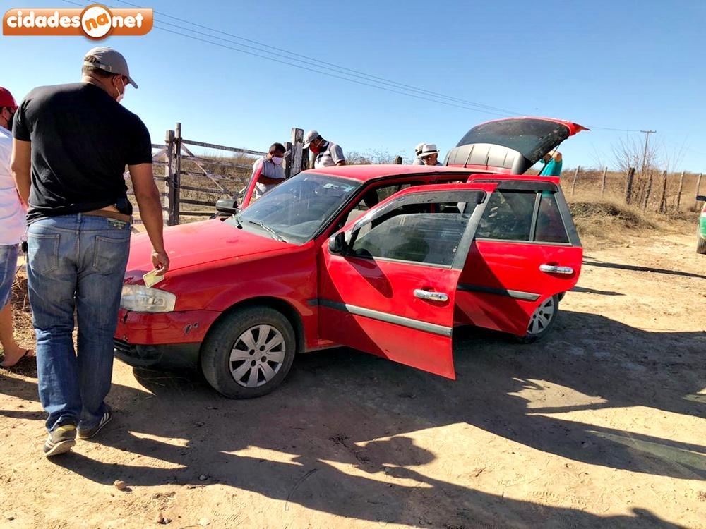 Homem foi encontrado morto dentro do seu veículo