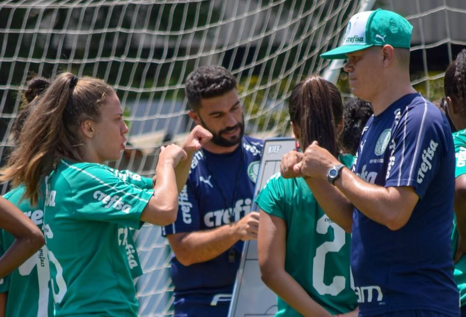 Stefany faz história como a 1ª jogadora surda no Brasileirão Feminino - Imagem 1