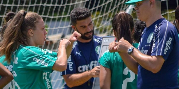Stefany faz história como a 1ª jogadora surda no Brasileirão Feminino