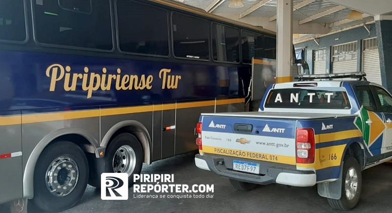 16kg de drogas são apreendidos em um ônibus com destino a Piripiri - Imagem 1