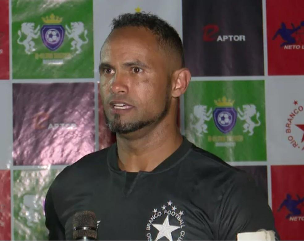 Bruno é goleiro titular do Rio Branco-AC — Foto: Reprodução/Rede Amazônica Acre