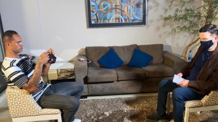 Roberto Cabrini entrevista goleiro Bruno