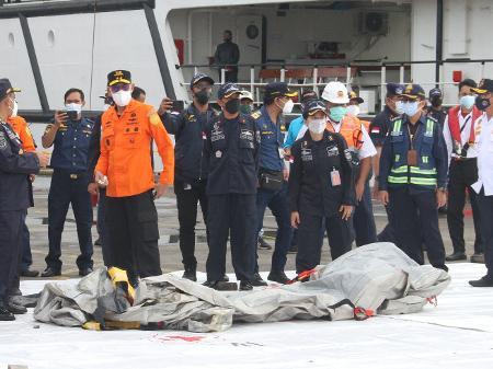 equipes de resgate (Foto: Aji)