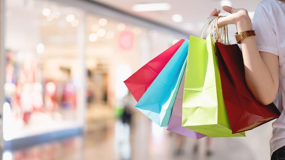 No desafio de permanecer um ano sem comprar nada, cada um estabelece suas próprias regras — Foto: Getty Images por BBC