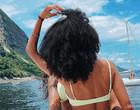 """Brunna Gonçalves posta foto quente com """"mão boba"""" de Ludmilla"""