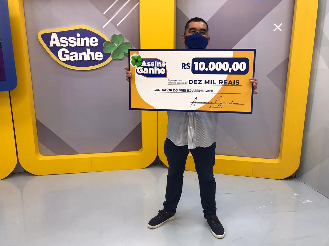 Rossiny recebeu R$ 10 mil em sorteio do Assine Ganhe