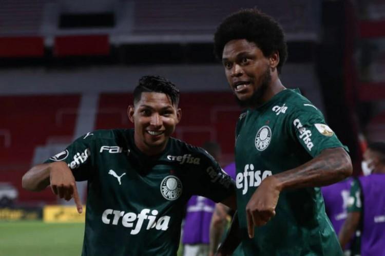 Palmeiras e River Plate se enfrentam hoje pelo jogo de volta da Libertadores. - Foto: Juan Ignacio Roncoroni/AFP