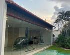 Lava Jato apreende helicóptero, carros de luxo e obras de arte