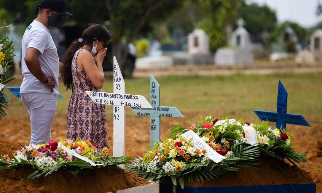 Manaus tem batido recordes de enterros diariamente Foto: MICHAEL DANTAS/AFP / MICHAEL DANTAS/AFP