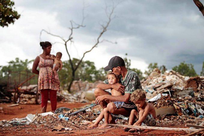 Sem o auxílio, Brasil deve ter mais de 20 milhões em pobreza extrema