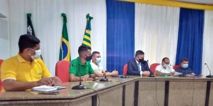 Prefeito João Luiz se reúne com atleta olímpico Cláudio Roberto e outras personalidades do Atletismo