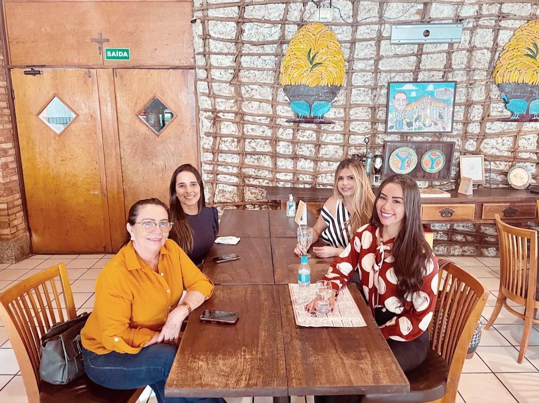 Bancada feminina em sintonia: Fernanda, Polyana, Teresinha e Elzuila - Imagem 1