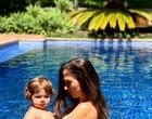 """Tatá Werneck posa com a filha na piscina: """"Minha deusa"""""""