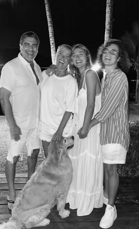 Sasha compartilha álbum de fotos de Ano Novo em família - Imagem 1