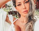 Mayra Cardi posta fotos nua e relata ano novo sozinha no mato