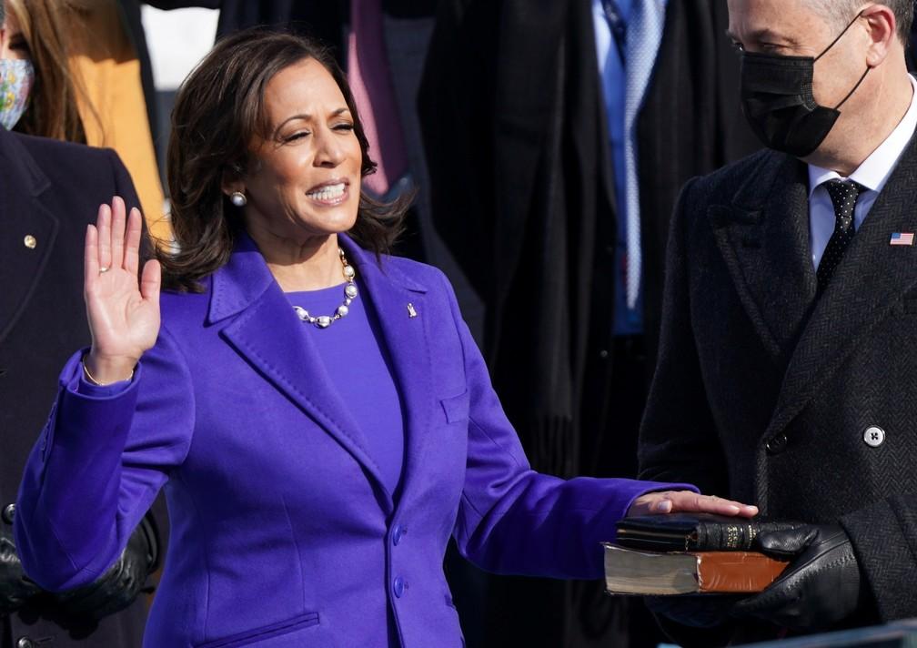 Kamala Harris presta juramento como vice-presidente dos EUA Foto: Kevin Lamarque/Reuters
