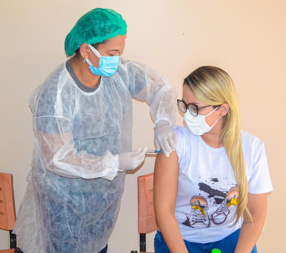 Joaquim Pires inicia vacinação contra COVID-19 - Imagem 8