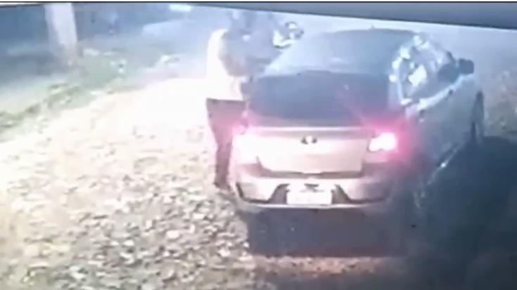 Vítima foi abordada por dois homens em uma motocicleta - Foto: Reprodução