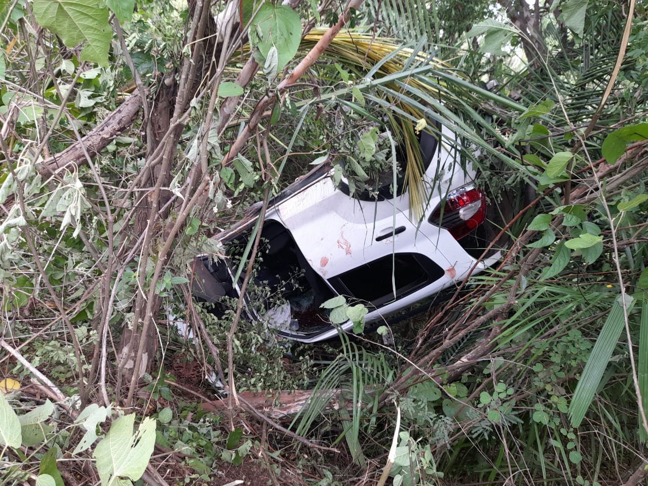 Quatro pessoas ficam feridas em grave acidente em José de Freitas - Imagem 1