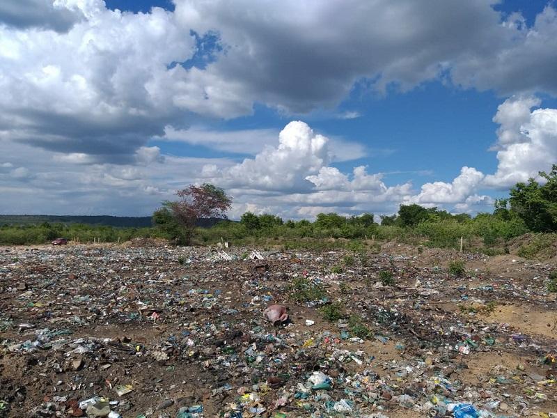 Milton Brandão: Município cercará novamente área de depósito do lixo recolhido na cidade - Imagem 1