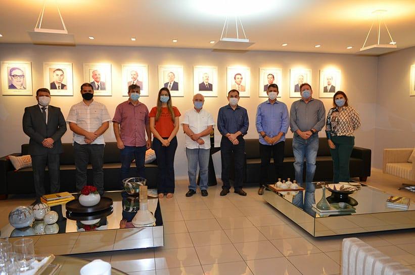 THE: Lojistas se reúnem com novos secretários para discutir melhorias  - Imagem 1