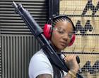 Ludmilla faz aula de tiro para encarnar policial em série