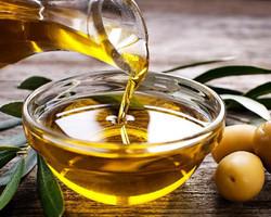 Azeite de oliva adulterado: 41 mil garrafas são apreendidas em supermercados