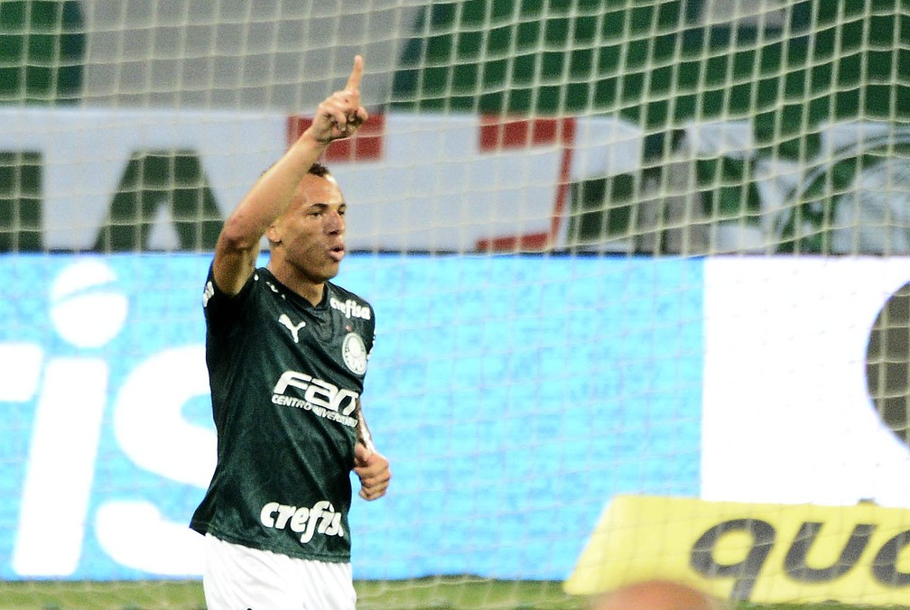 Breno Lopes comemora seu primeiro gol com a camisa do Palmeiras — Foto: Marcos Ribolli