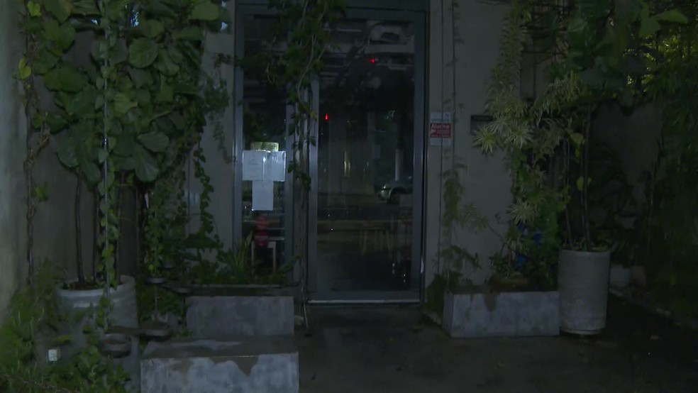 Restaurante Arturito, na Zona Oeste de SP, foi alvo de assaltantes na noite desta quarta — Foto: Reprodução/TV Globo