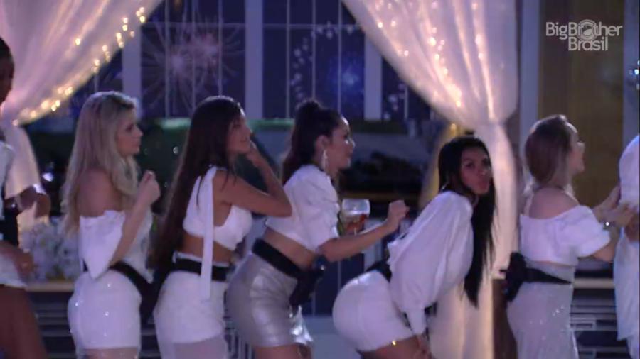 Sisters dançam na festa Revellon 2021