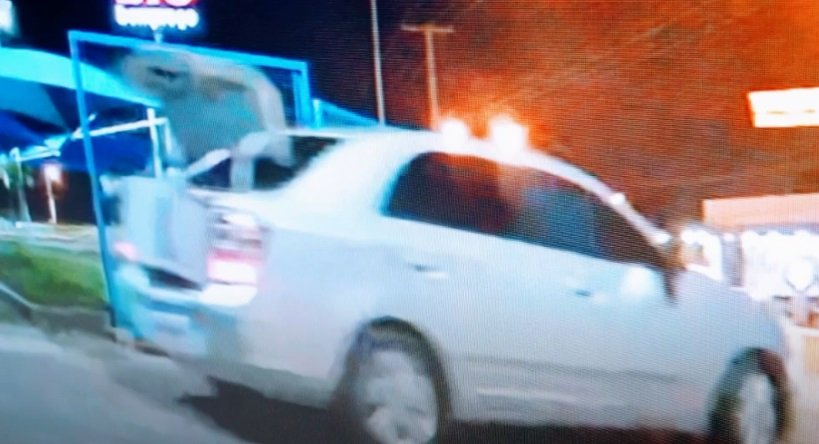 Bandidos invadem Big Bompreço, rendem funcionários e roubam R$ 8 mil - Imagem 2
