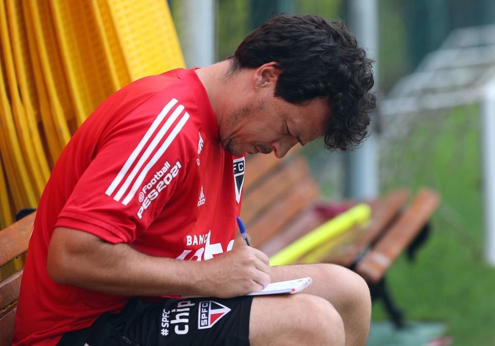 Fernando Diniz em treino do São Paulo-Foto: Divulgação SPFC
