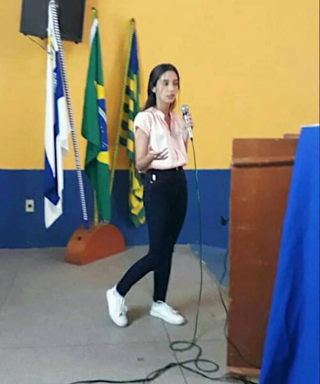 Estudante Karolayne Ribeiro faz parte do projeto